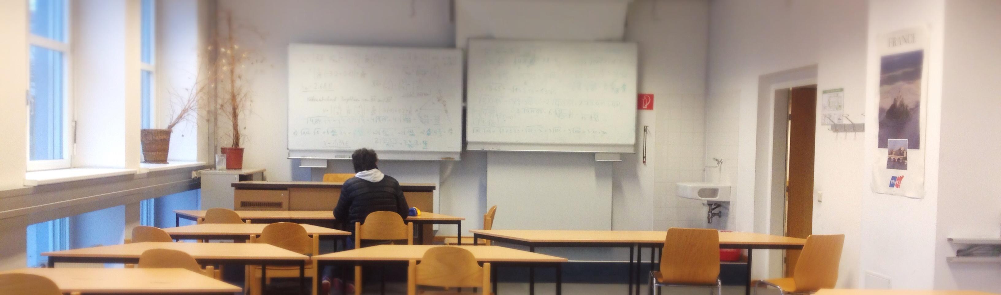 Ein paar Klassenzimmer…
